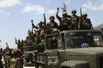 Video: Quân chính phủ Syria tấn công dồn dập tái chiếm thành Homs