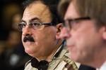 """Phiến quân Syria """"đói"""" vũ khí vì nhóm hỗ trợ mải buôn dầu mỏ"""