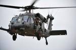 Video: Lính cứu hỏa Nhật Bản ứng cứu trực thăng rơi, lính Mỹ chặn lại
