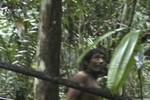 """Video: Cuộc sống của """"người rừng"""" Amazon"""