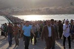 Phe Assad đánh bom, al-Nusra khủng bố, 35 ngàn dân Syria chạy qua Iraq