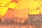 Video: Nổ đường ống dẫn khí đốt tại Ba Lan gây hỏa hoạn nghiêm trọng