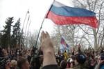 Quốc kỳ Nga được treo trên nóc tòa thị chính Crimea, Ukraina