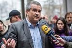 Thủ tướng Crimea: Quân đội Nga không bao vây các căn cứ quân sự