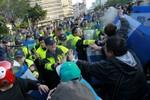Đài Loan: Cảnh sát dùng dùi cui giải tán sinh viên biểu tình