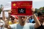 """""""Việt Nam tuần hành phản đối Trung Quốc bành trướng lớn chưa từng có"""""""