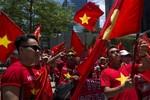 Vụ giàn khoan 981: Biểu tình chống Trung Quốc ngay trên đất Trung Quốc