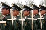 """16 ngàn USD """"chạy"""" 1 suất việc làm trong quân đội Trung Quốc"""