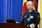 """""""Trung Quốc xây sân bay trái phép đá Chữ Thập để đối phó với Việt Nam"""""""