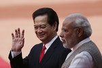 Hoàn Cầu dọa Việt Nam không thể thắng nếu đối đầu trực diện Trung Quốc