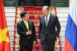 Học giả Nga: Moscow nên tránh để Việt Nam thân Trung Quốc hay Mỹ