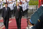 """""""Việt Nam là đồng minh trung thành, Nga không nên đặt quân đội ở Cam Ranh"""""""