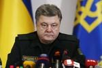 Poroshenko ra lệnh ngừng bắn, pháo kích tạm dừng ở Donetsk