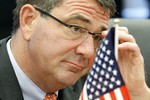 Bộ trưởng QP Mỹ cảnh báo Trung Quốc không quân sự hóa tranh chấp lãnh thổ
