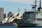 Úc nên điều máy bay, tàu chiến thách thức yêu sách Trung Quốc ở Biển Đông