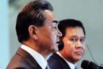 """Vương Nghị lúng túng khi tướng Thái bất ngờ """"nói lời yêu"""""""