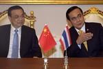 """""""Thái Lan trượt sâu hơn vào vòng tay Trung Quốc"""""""