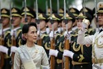 Bắc Kinh quyến rũ Myanmar, Aung San Suu Kyi tương kế tựu kế