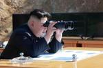 Bình Nhưỡng đòi Mỹ quỳ xuống xin lỗi, Donald Trump úp mở khả năng chiến tranh