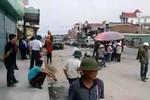 Dân ngăn cản thi công đường BOT yêu cầu chủ đầu tư bồi thường nhà lún nứt