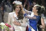 Giây phút đăng quang Hoa hậu Hoàn vũ 2013 của người đẹp Venezuela