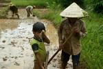 Chùm ảnh: 1001 nỗi khổ của những đứa trẻ ở tuổi đến trường