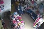 Video: Dàn cảnh ăn trộm laptop trong cửa hàng bán quần áo