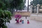 Facebook tràn ngập các bức ảnh mưa lớn gây ngập úng ở Hà Nội