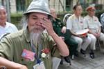 Xúc động hình ảnh cựu chiến binh Điện Biên Phủ viếng Đại tướng