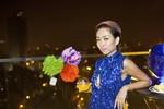 Thảo Trang diện váy ngắn tua rua giữa trời lạnh buốt da ở Hà Nội