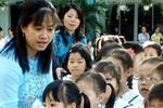 TP.HCM chi quà tết cho giáo viên