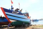 Ngư dân Đà Nẵng hạ thủy tàu công suất lớn tiến ra vùng biển Hoàng Sa