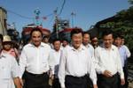 """Chủ tịch nước Trương Tấn Sang xem """"vết thương"""" tàu cá bị đâm chìm"""