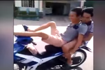 """Làm rõ các đối tượng """"phê"""" ma túy lái xe máy bằng...chân"""