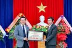 Đại học Đông Á trao 3.000 học bổng khuyến học và khuyến tài