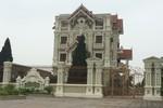 Vụ lâu đài khủng ở Phú Xuyên (Hà Nội) bao giờ pháp luật được thực thi?