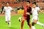 Hiến kế cho tuyển Việt Nam: Dùng cầu thủ nhập tịch hay dùng Việt kiều?