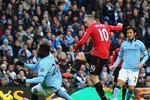 4 pha chơi bẩn của cầu thủ lẫn cổ động viên Man City với M.U