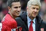 Wenger hối hận vì để Van Persie và Fabregas ra đi