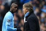 Bị phạt gần 400.000 bảng, Balotelli thách thức cả đội Man City
