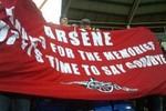 Suýt đánh nhau để đòi sa thải Arsene Wenger