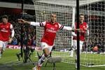 Arsenal 2 - 2 Liverpool: Giroud và Walcott cứu Arsenal trong 2 phút