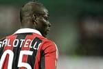 Balotelli ghi bàn, HLV nói không xứng đáng