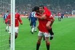 Van Persie xuất sắc hơn Eric Cantona?
