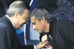 Nổ ra 'chiến tranh' giữa Mouirnho và Flo Perez