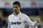 Ngắm cú đá phạt đạt vận tốc 180km/h của Ronaldo