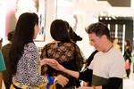 Mẹ chồng Tăng Thanh Hà 'tay bắt mặt mừng' Mr Đàm
