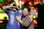 Tuấn Hưng khóc nức nở sau 16 năm tái ngộ khán giả Thủ đô