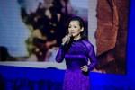 """Liveshow Khánh Ly tại Đà Nẵng bị """"đòi tiền"""" trước giờ công diễn"""