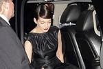 Anne Hathaway suy sụp vì phút hớ hênh 'chết người'
